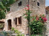 บ้านเรียบง่ายในชนบท ประหยัดพลังงาน เป็นมิตรกับสิ่งแวดล้อม